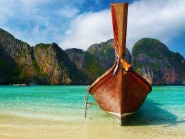 Boat on Beach Wallpaper | Free Desktop Wallpapers