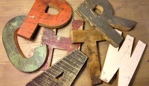 LETTERE e NUMERI VINTAGE  hand made in legno di inmyVintageRoom, €18.00