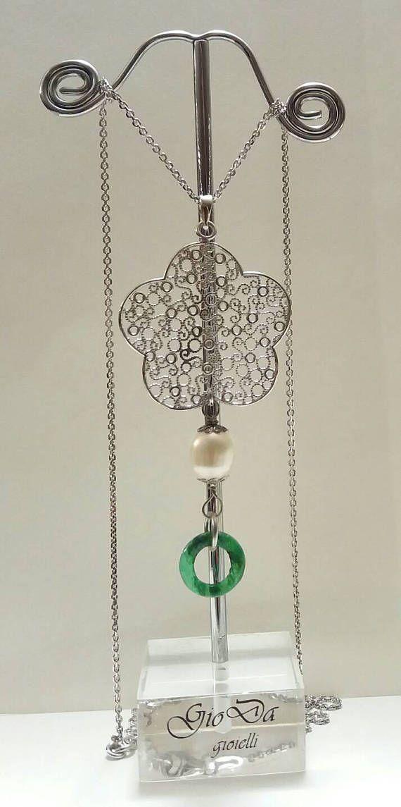 Guarda questo articolo nel mio negozio Etsy https://www.etsy.com/it/listing/532495135/collana-realizzata-in-argento-perle-di