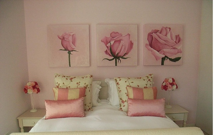 110 best rose themed home decor images on pinterest ornaments flower and roses for Bedroom flower decoration images