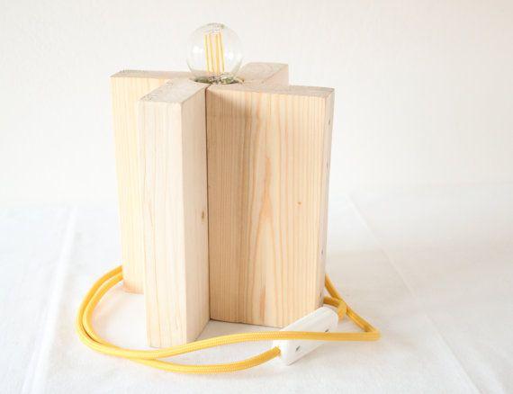 Lampada da tavolo cavo giallo. Eco-lampada. Upcycling di studioGET