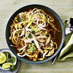 Soupe à la dinde et aux nouilles à l'asiatique