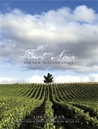 Pinot Noir - The New Zealand Story by John Saker