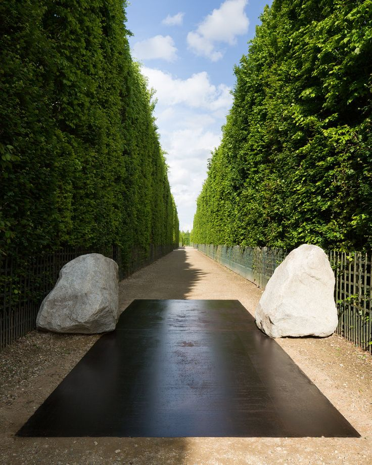 """Lee Ufan's Contemplative Sculptural Installations at Versailles. """"Earth of the Bridge"""" Tadzio, courtesy the artist, Kamel Mennour, Paris and Pace, New York"""