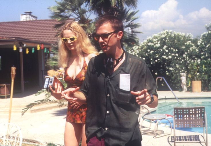 "On the set of ""Boogie Nights"", 1997.  L to R: Heather Graham, writer/director Paul Thomas Anderson."