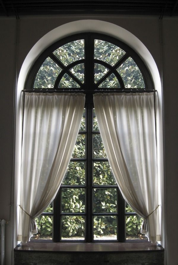 25 best ideas about arched window curtains on pinterest for Window treatment for oval window