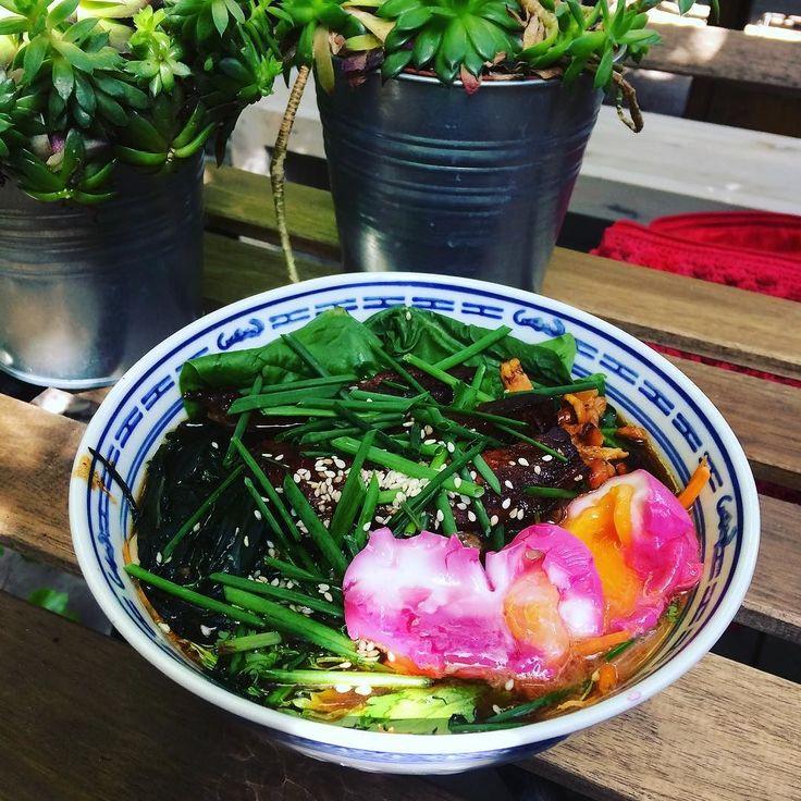 Flowery ramen from @gescheft_poznan  . . . #ramen #asianfood #foodie #foodporn #instafood #tasteofasia #ramengram #foodstsgram #foodlover #foodphotography #igerspoznan #igerspoland #igerseurope #tasty #summermeal