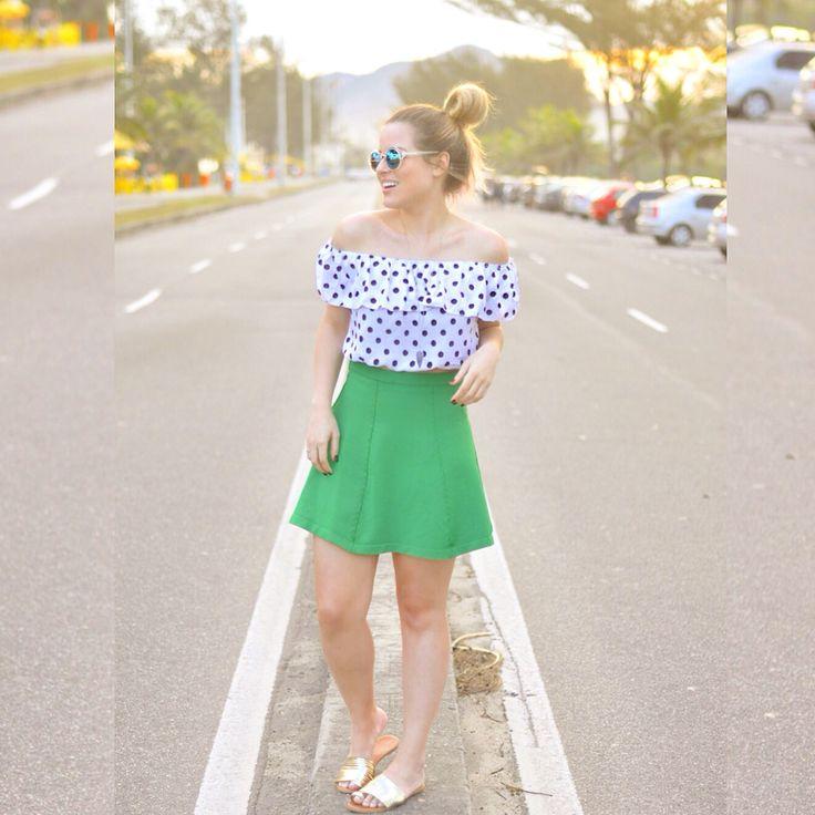 Blusa pois ciganinha / ombro a ombro / poá / look do dia verão/ saia verde / green skirt / ootd / Andressa Almeida