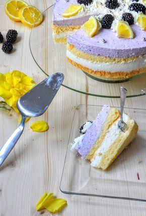 Brombeer-Buttermilch-Sahne-Torte mit Biskuit - http://www.fuerleibundseele.com/brombeer-buttermilch-torte/