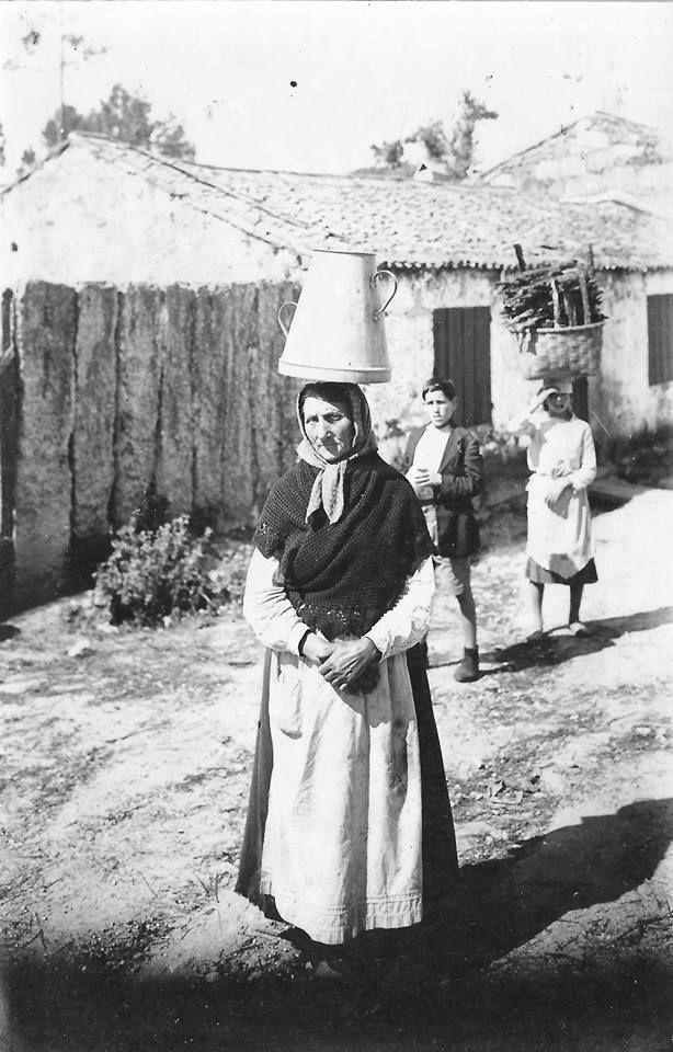 """Arredores de Vigo c,a 1950 - Leiteira - Foto do libro """" VIGO SETENTA AÑOS PARA CREAR UNA CIUDAD """""""