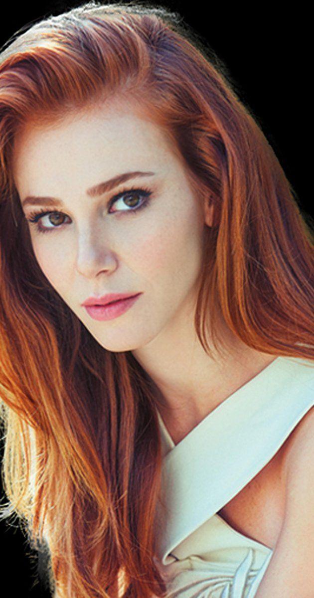 Elçin Sangu, Actress: Kiralik Ask. Elçin Sangu was born on August 13, 1985 in Izmir, Turkey. She is an actress, known for Kiralik Ask (2015), Bir Ask Hikayesi (2013) and Öyle Bir Geçer Zaman ki (2010).