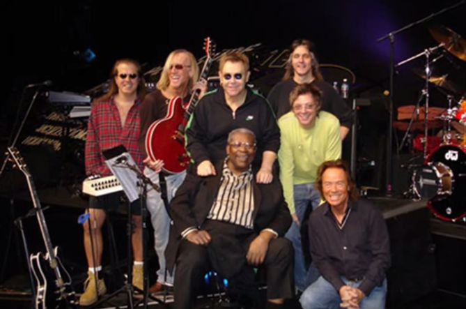 Elton & Band with B.B King IN VEGAS (Rock This House 2005)