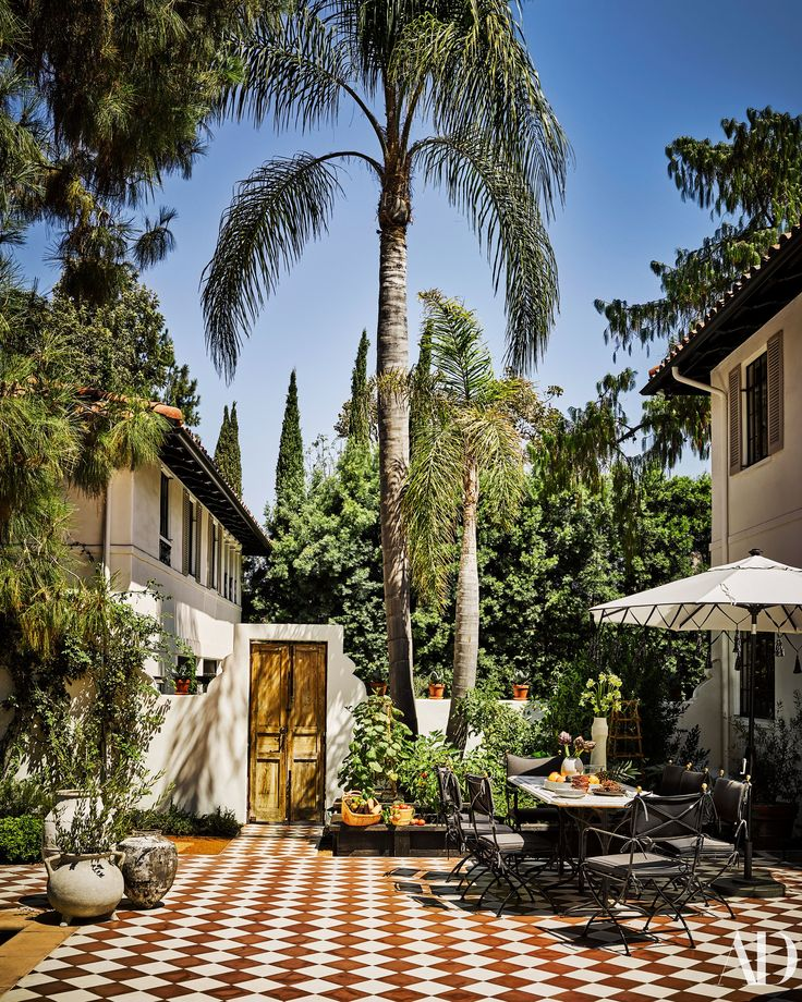 Step Inside Berkus ad Brent's Gorgeous LA Home Photos | Architectural Digest