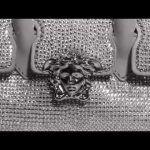 Versace la lussuosa borsa Palazzo Empire celebra Hong Kong