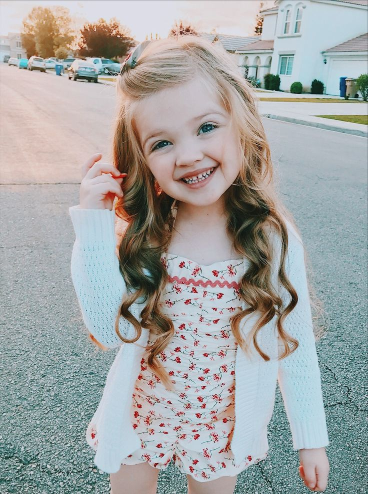Little Girl Hairstyle Long Hair Curls Curled Wavy Beach