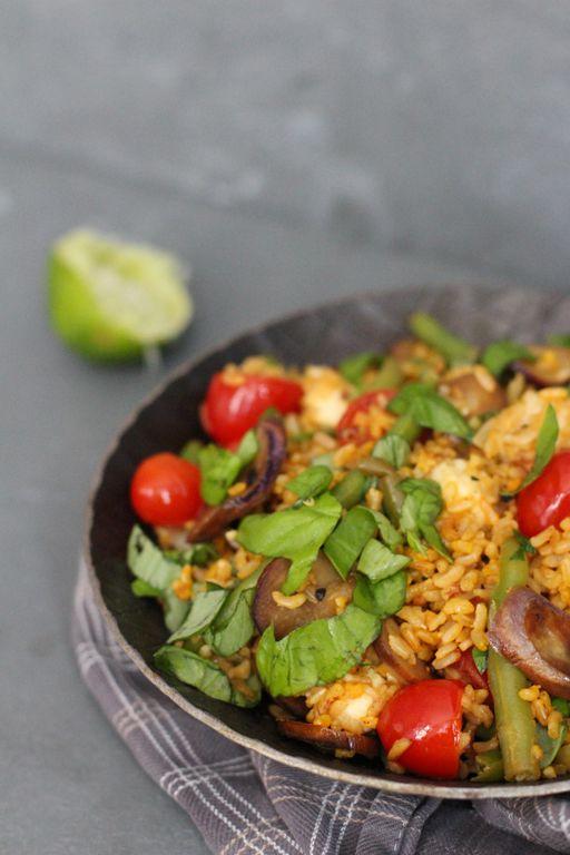 Mhhh-Safranbratreis (Vollkorn) mit Auberginen, Prinzessbohnen und Tomaten. Auch toll mit Quinoa, Dinkel oder Hirse. By Carrots for Claire