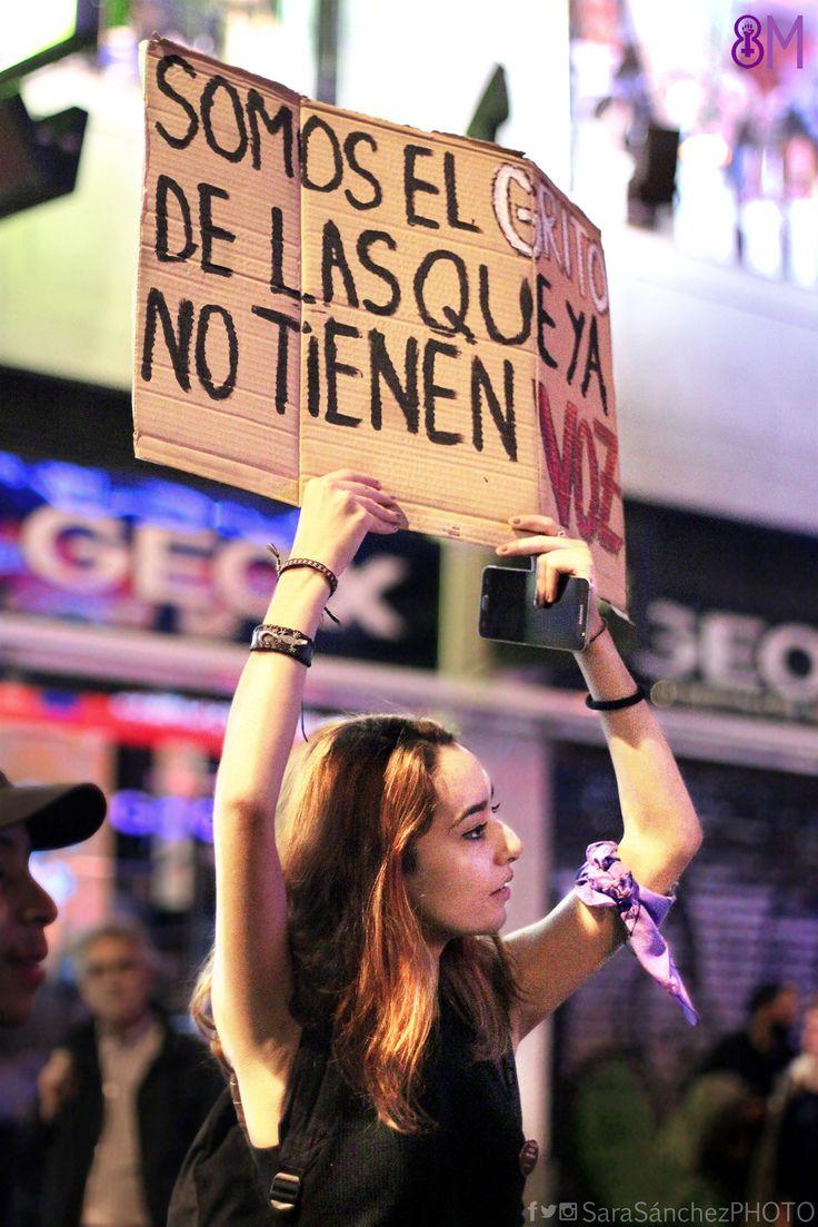 """We are the shout of those who already do not have voice""  ""Nous somes le cri de celles qui n'ont pas déjà de voix""  #Fotografía #Manifestación #8marzo2017 #DiadelaMujer en #Madrid  #violenciadegenero #violenciamachista #machismomata #niunamenos #vivasnosqueremos #stopgenderviolence #genderviolence"