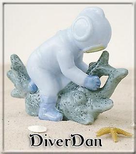SLO Mermaid Aquarium Décor - Hard Hat Dive (Diver Dan)