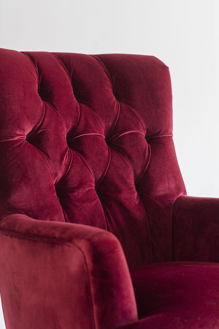 Betty Armchair in the chesterfield button style in Red Velvet