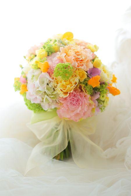 クラッチブーケ リッツカールトンホテル東京様のプレシューティング用のブーケ : 一会 ウエディングの花