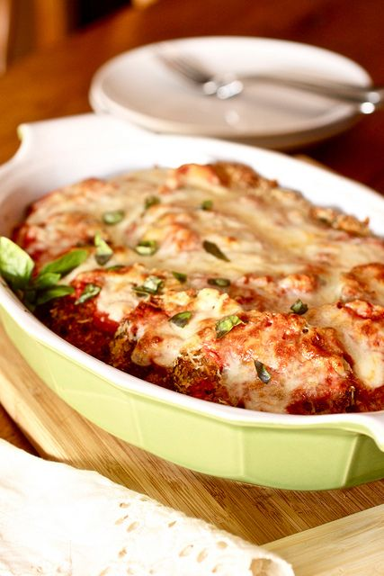 Need to try a new eggplant recipe this one looks yummy.  Baked Eggplant Parmesan by Smells Like Home, via Flickr