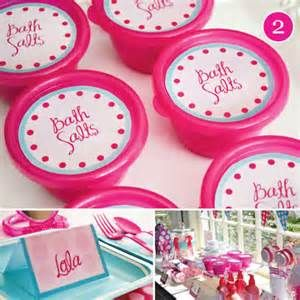 spa party ideas for girls birthday - cute, but photos mainly and a little over the top for me