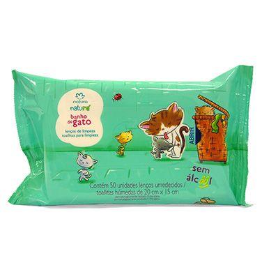 Embalagem econômica com 50 lenços umedecidos para limpeza da pele do seu filho.