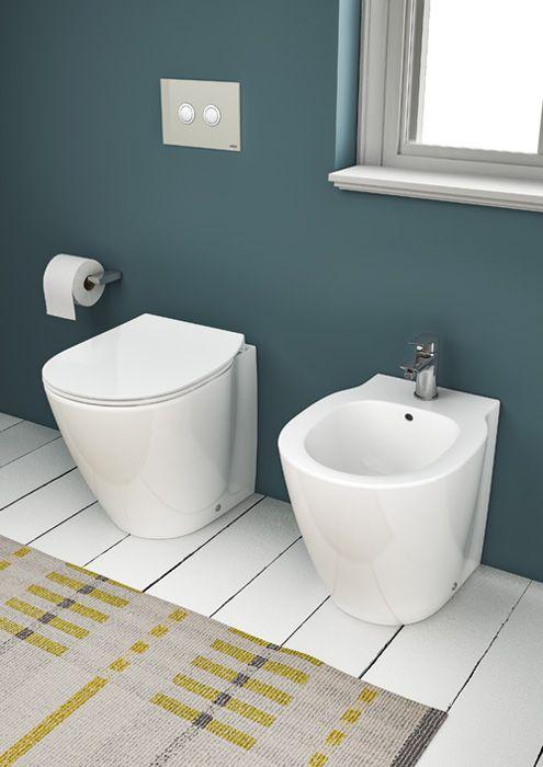 Vaso e bidet a terra Connect Space con miscelatore Ceramix, fino a 6 cm più corti rispetto ai tradizionali. I sanitari misurano L 36 x P 48 cm. Esistono anche nella versione con cassetta (quadrata e angolare) e sospesi.