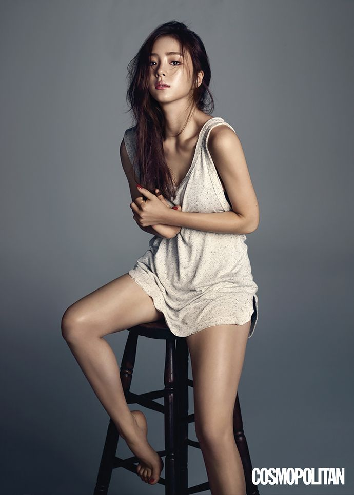 Shin Se Kyung Is The Image Of Innocent Glamour For Cosmopolitan Korea's August 2015 Issue | Couch Kimchi