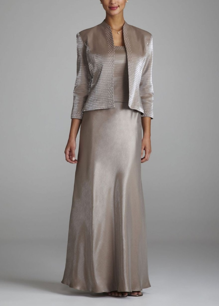 Find gorgeous mother of the bride & mother of the groom dresses at David's Bridal in various colors, designs, styles & sizes. Go to David's Bridal and find their selection of metallic mother of the bride dresses in silver, gold and champagne.
