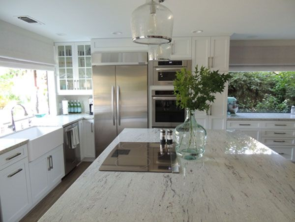 White Shaker Kitchen Cabinets With Granite Countertops