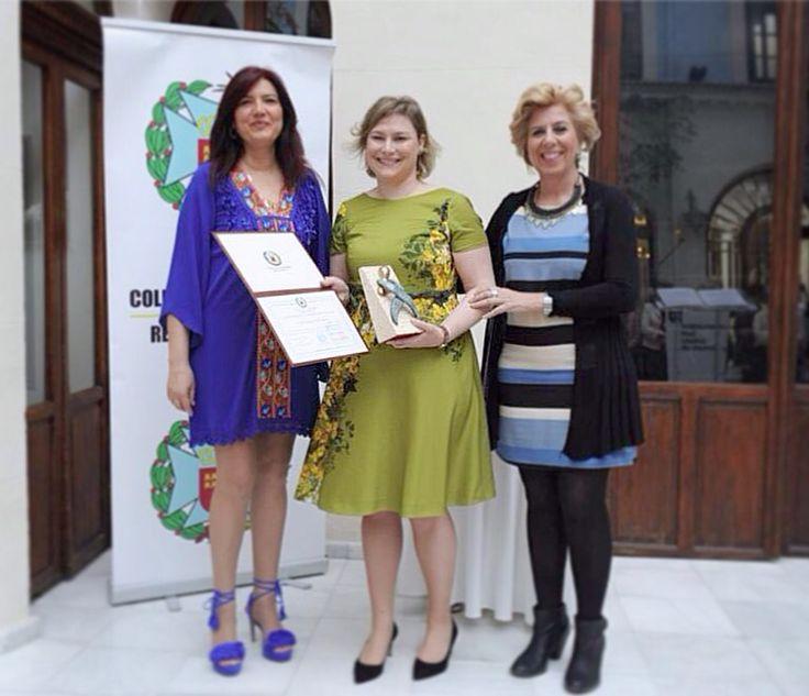 Mi amiga, mi hermana pequeña, gracias por estar siempre @amaliaelopez, te mereces todo lo mejor, enhorabuena por el premio que te ha concedido el Colegio de Enfermería