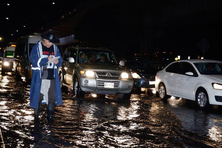 #DESTACADAS:  Lluvias y tormentas eléctricas afectan vías en la capital - La Jornada en linea