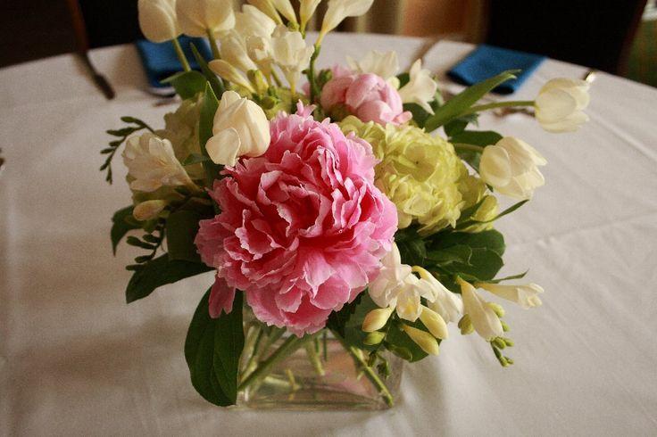 17 best ashley barnard wedding images on pinterest florists flower shops and anniversary flowers. Black Bedroom Furniture Sets. Home Design Ideas