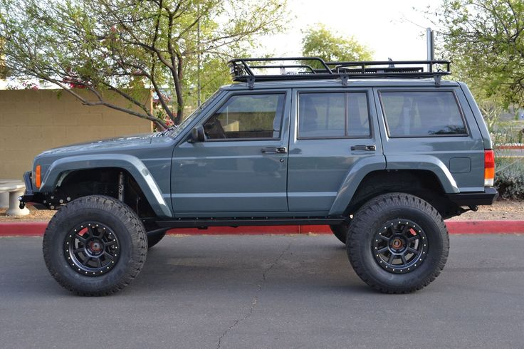 2000 XJ Jeep Cherokee Designed for Discount Tires by Cutting Edge 4x4.
