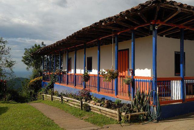 Imagen de una Finca Cafetera Típica en Buenavista, Quindio.