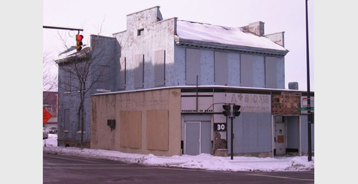 Braun & Steidl Architects : Richard Howe House as it used to sit in Akron, OH.