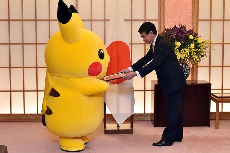 Rozpoczęła się walka o organizację EXPO 2025, a jedni z zainteresowanych – Japończycy – już wystartowali z promocją swojej kandydatury. Minister spraw zagranicznych Tarō Kōno powołał w tym celu kilku nowych ambasadorów... http://exumag.com/expo-2025-pikachu-hello-kitty/