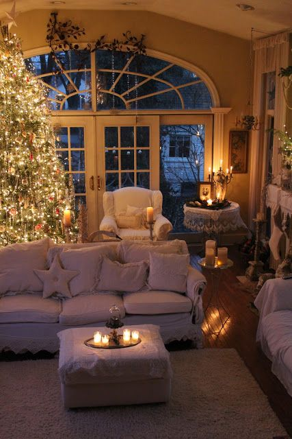 So beautiful - fantasy Christmas lounge, in my house those candles would get knocked over!!