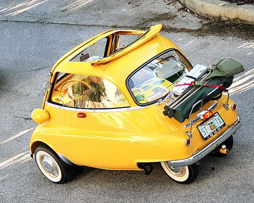 No parking problem  Starring: '57 BMW Isetta