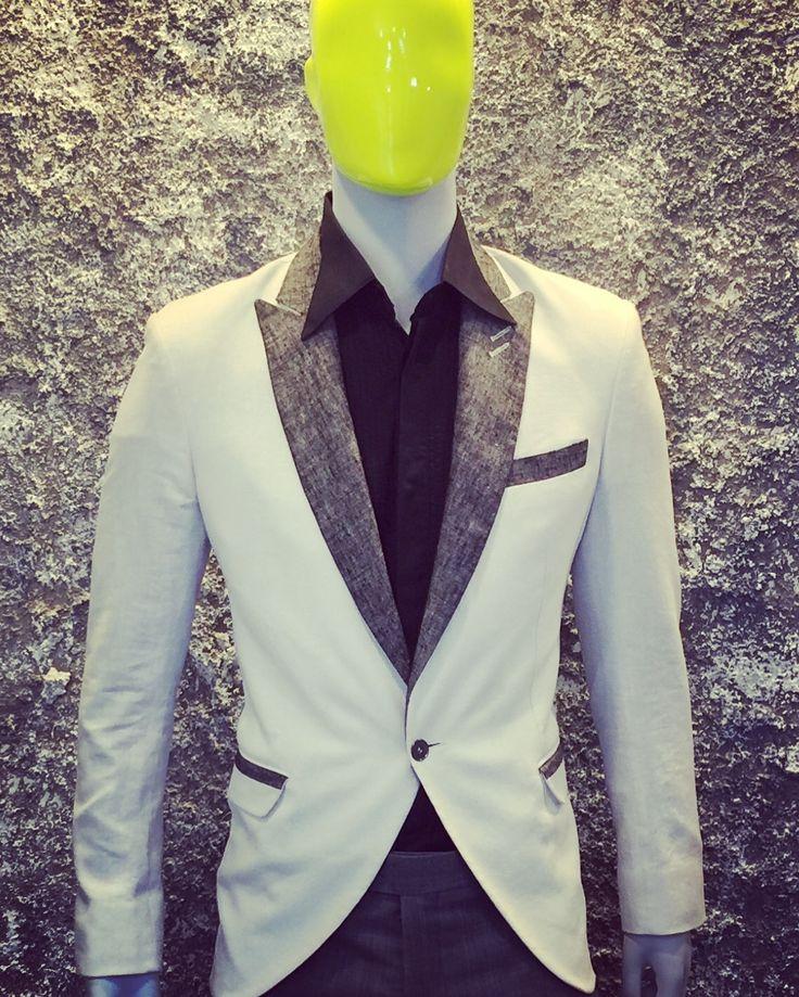 #Traje #Novio #Blanco #Personalizado #Hecho a #Mano #Bespoke #Wedding