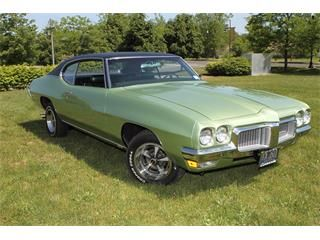 1970 - Pontiac LeMans - (vintage lady, the seventies, vehicles)