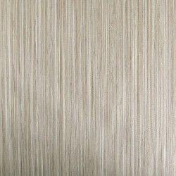 Diseño de colores lisos con textura de madera beige en este papel pintado de la colección Windsor XII de Parati.