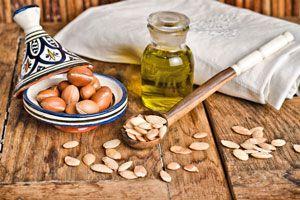 ***Propiedades del Aceite de Argán*** Te contamos sobre las propiedades del aceite de argán, y cómo puedes aprovecharlas en tus tratamientos caseros de belleza y bienestar...SIGUE LEYENDO EN... http://belleza.comohacerpara.com/n10980/propiedades-del-aceite-de-argan.html
