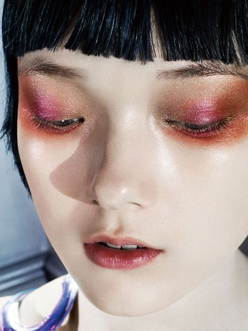 Visit my site ... https://www.youtube.com/watch?v=A6bxYl7MVDs #makeup #makeupbrushes #realtechniques