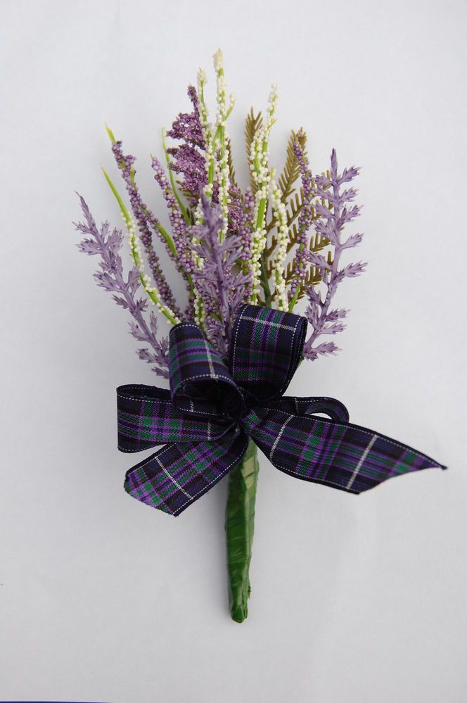 White & purple heather &Tartan Buttonhole / Wedding favour / Grooms.......nice and simple