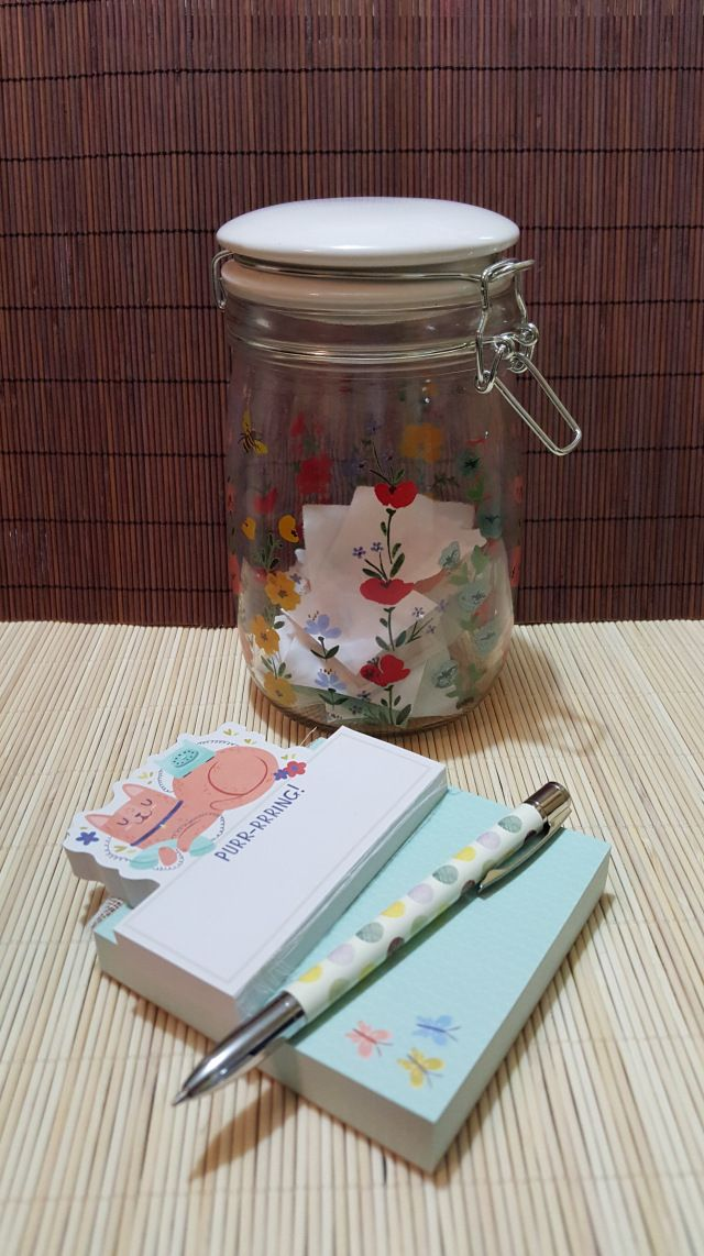 6 fantastic reason why you should start your own positivity jar