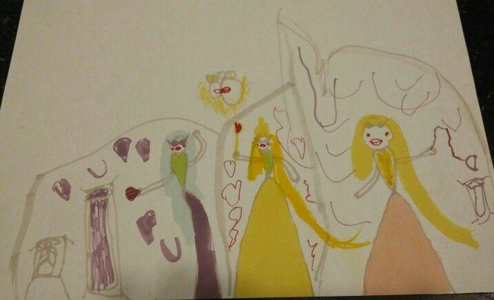 (De la st la dr)  Maria cu puterea evantaiului, Mama cu puterea inimii si Buni cu biciul prieteniei (6,6 ani)