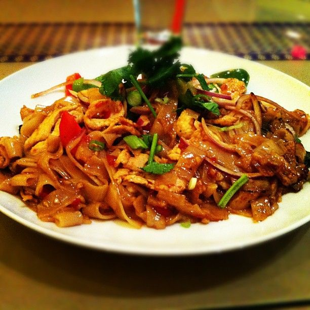 drunken noodle | Food! | Pinterest | Drunken Noodles, Noodles and Thai ...