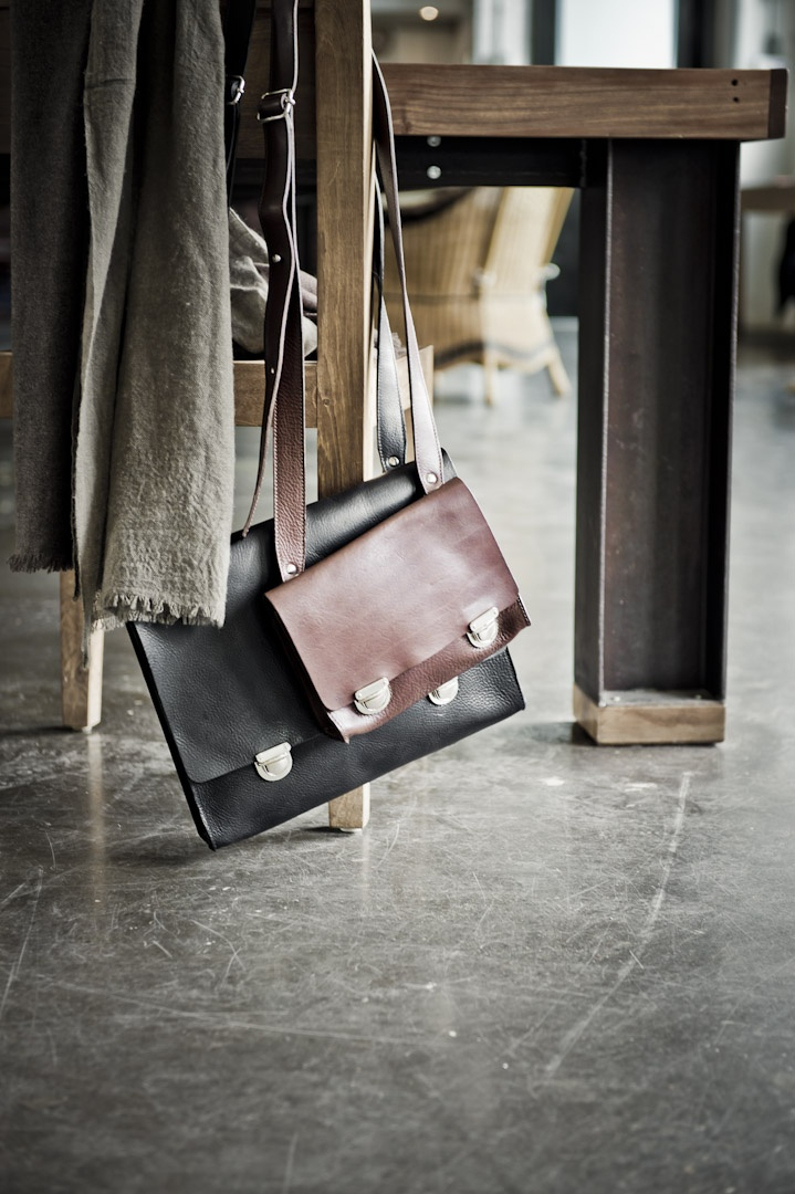 #m0851 | Leather Bags bvrca11, bvrca21 | Fall 2011 / Winter 2012 www.m0851.com/home